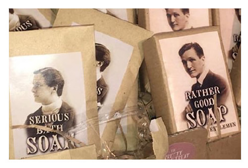 unusual mens wedding favours