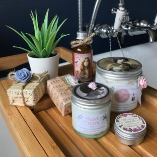 Pretty Little Treat Co. Pledge to have 100% sustainable or recyclable packaging April 2019