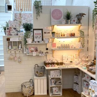 The Pretty Little Treat Co Shop Bath and Body products